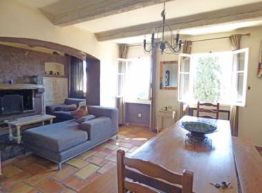 grimaud-appartement-au-coeur-du-village-200318-182027p1100505
