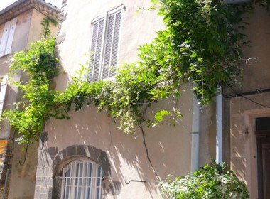 grimaudauthentiquemaisondevillageavecterrasse-231112-1750421facade837